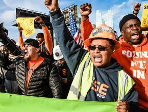 Construction workers in New York City rally to defend their union