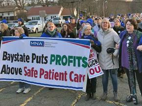 Nurses for a fair contract at the Baystate Franklin Medical Center