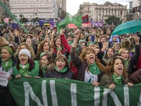 Thousands demonstrate for abortion rights in Buenos Aires