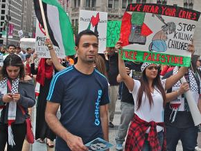 Chicagoans march in solidarity with Palestine against the murderous Israeli assault on Gaza