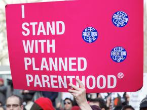 Protesters defend Planned Parenthood from attacks by the right