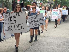 Pro-choice activists protest attacks on Planned Parenthood in New York City