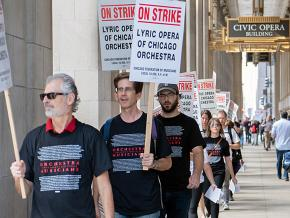 Musicians of the Chicago Lyric Opera Orchestra walk out on strike