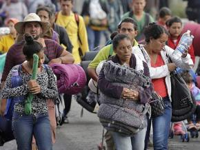 A migrant caravan from Central America reaches Mexico City