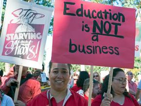Teachers protest privatization policies in Los Angeles